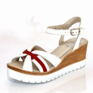 Дамски сандал на платформа имитация въже - червена лента