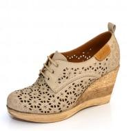Дамски обувки на платформа с перфорация от 34 до 40 номер