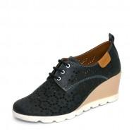 Дамски обувки с лазерна перфорация на платформа