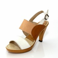 Дамски сандал на висок ток - бежово